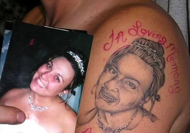 残念な画像:妻の笑顔をタトゥーにするはずが・・・