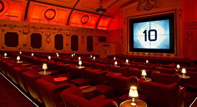 世界最大級の映画館:エレクトリック・シネマ(Electric Cinema)