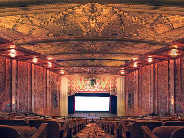 世界最大級の映画館:パラマウント・シアター(Paramount Theater)