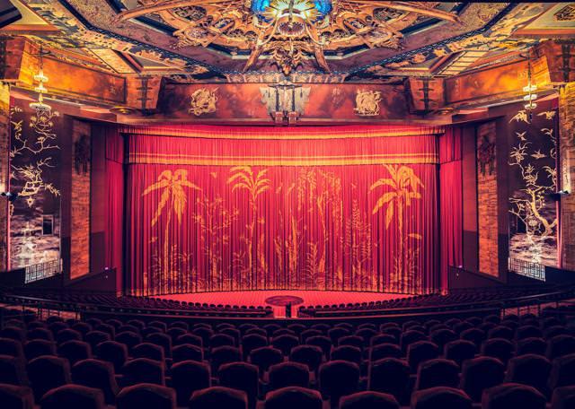世界最大級の映画館:グローマンズ・チャイニーズ・シアター(Grauman's Chinese Theater)