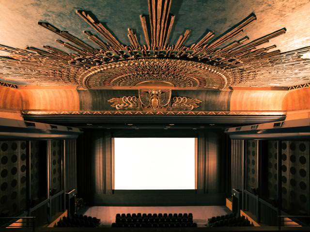 世界最大級の映画館:エジプシャン・シアター(Egyptian Theater)