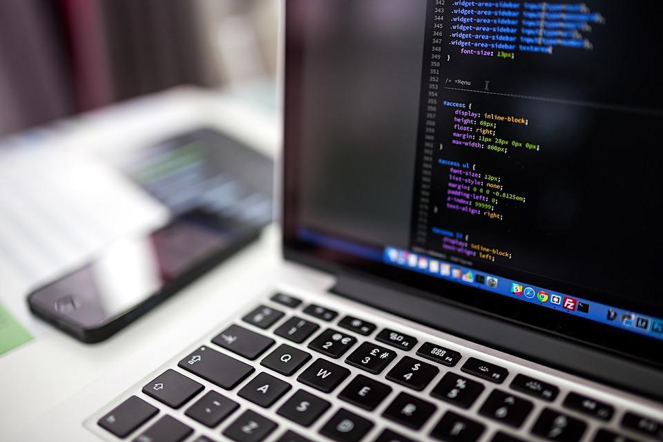 メジャーなプログラミング言語15種類の違い(難易度・将来性)を、乗り物に例えると?