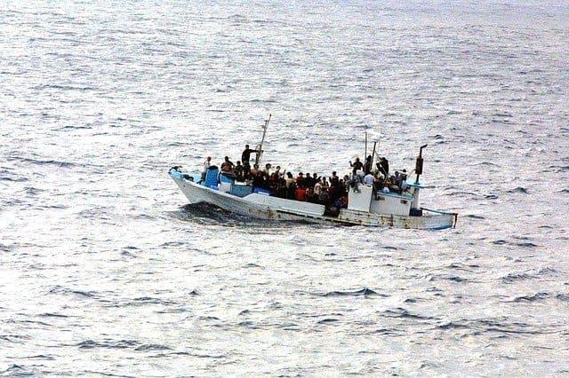難民ボート、アサイラム