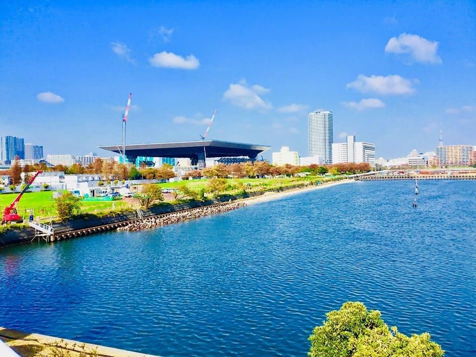 辰巳国際水泳場バルコニー広場
