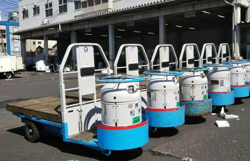 豊洲市場の運搬車ターレ