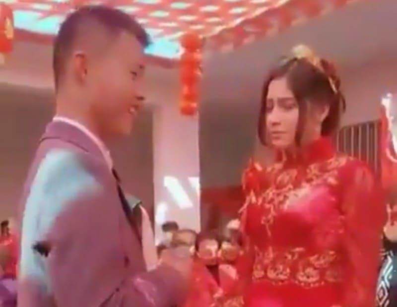 ウイグルー強制結婚1